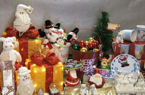 Photograph of Christmas Decorations From W & D Ross, Thurso