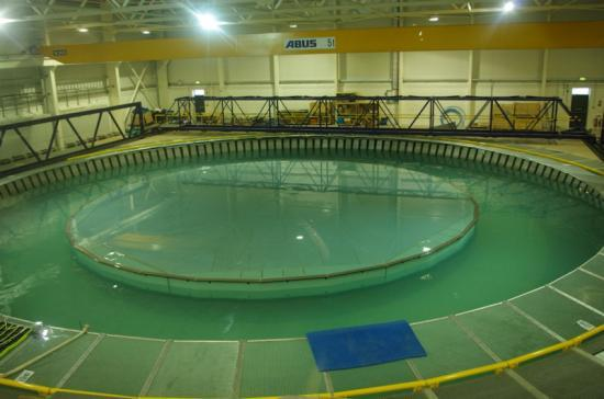Photograph of FloWave Test Tank Facility Can Simulate Pentland Firth Conditions