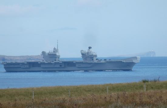 Photograph of HMS Queen Elizabeth in Pentland Firth