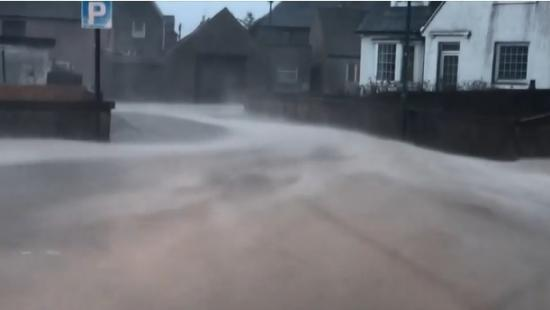 Photograph of Council keeps drains and roads clear of sand in Thurso